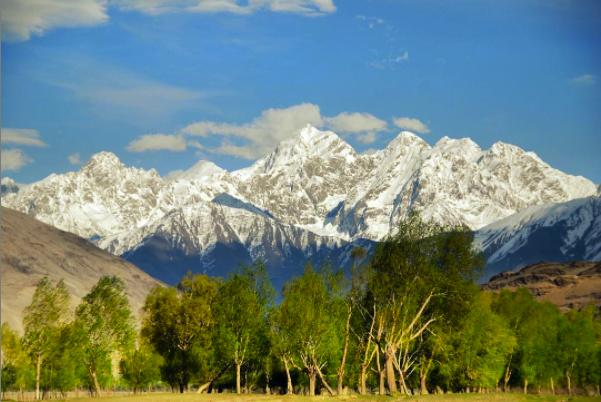 Naw Shakh peak by Feroogh via Instagram